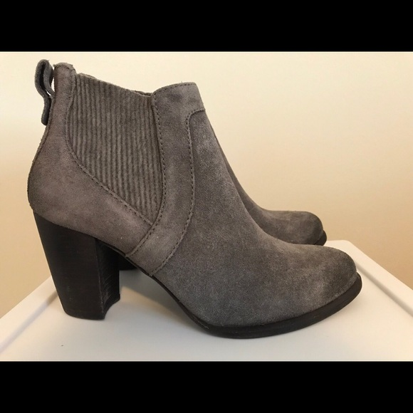 d98a5b5fcac Brand New UGG Womens Cobie II Healed Ankle Boots